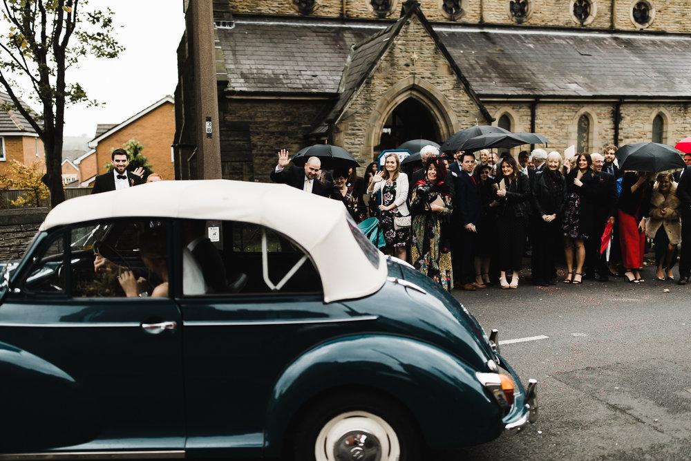 Oakwell_Hall_Yorkshire_rain_wedding_056.jpg