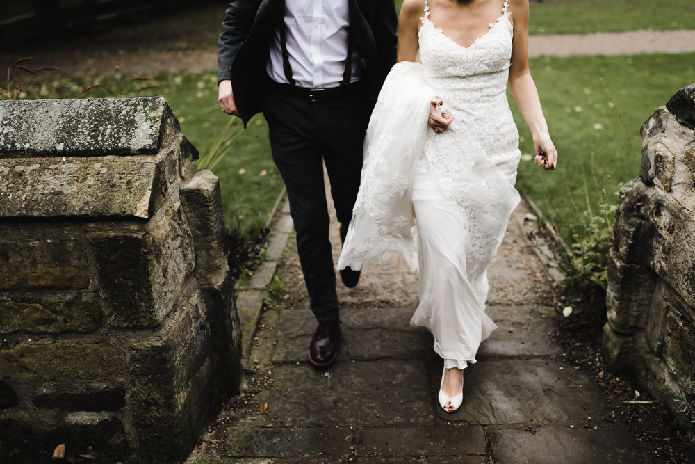 Oakwell_Hall_Yorkshire_rain_wedding_076.jpg