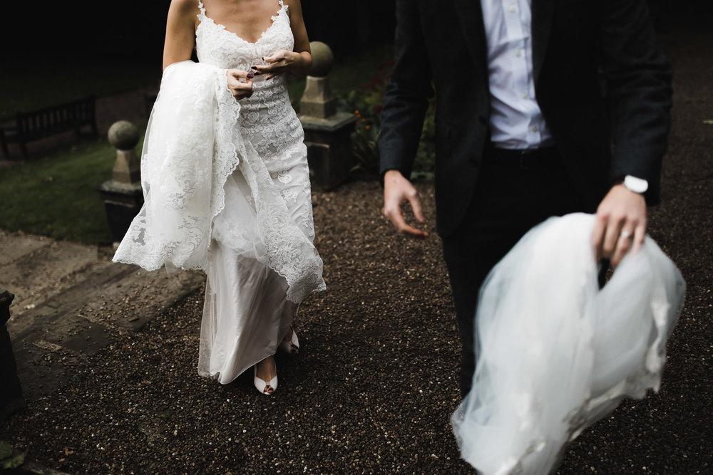 Oakwell_Hall_Yorkshire_rain_wedding_078.jpg