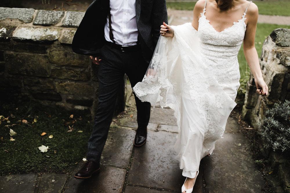 Oakwell_Hall_Yorkshire_rain_wedding_080.jpg