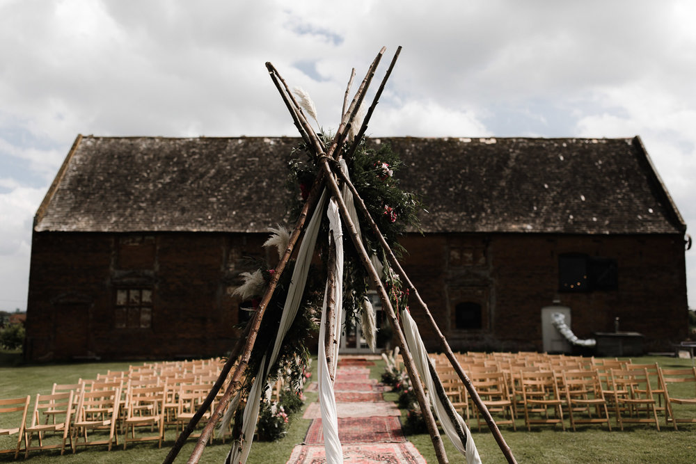 Godwick_Barn_Wedding_Outdoor_Ceremony_030.jpg
