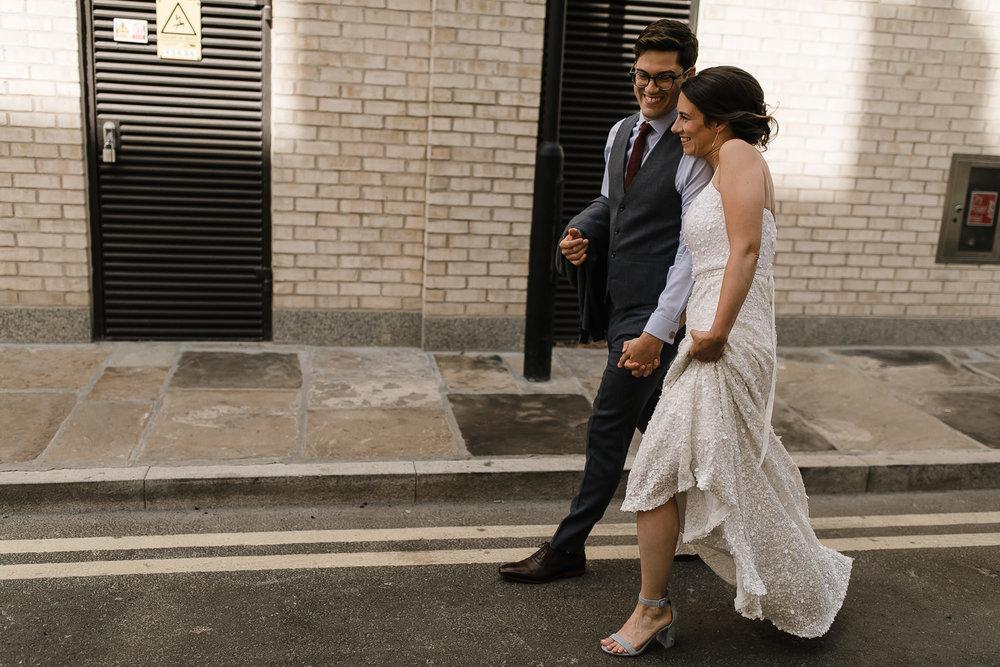Islington_Town_Hall_Swan_Globe_Theatre_wedding-19.jpg