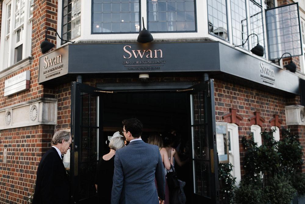 Islington_Town_Hall_Swan_Globe_Theatre_wedding-53.jpg