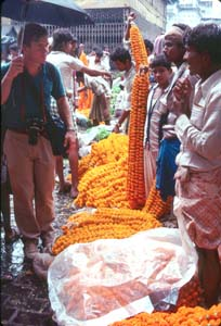 Bhutan Roskelley_Ridgeway in the Kolkata market Bhutan 1986.jpg