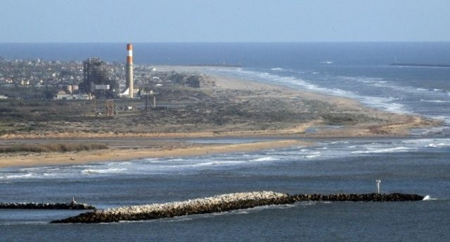 Mandalay Generating Station (photo courtesy Ventura County Star)