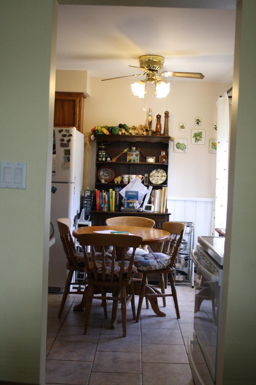 3. Kitchen (11).JPG