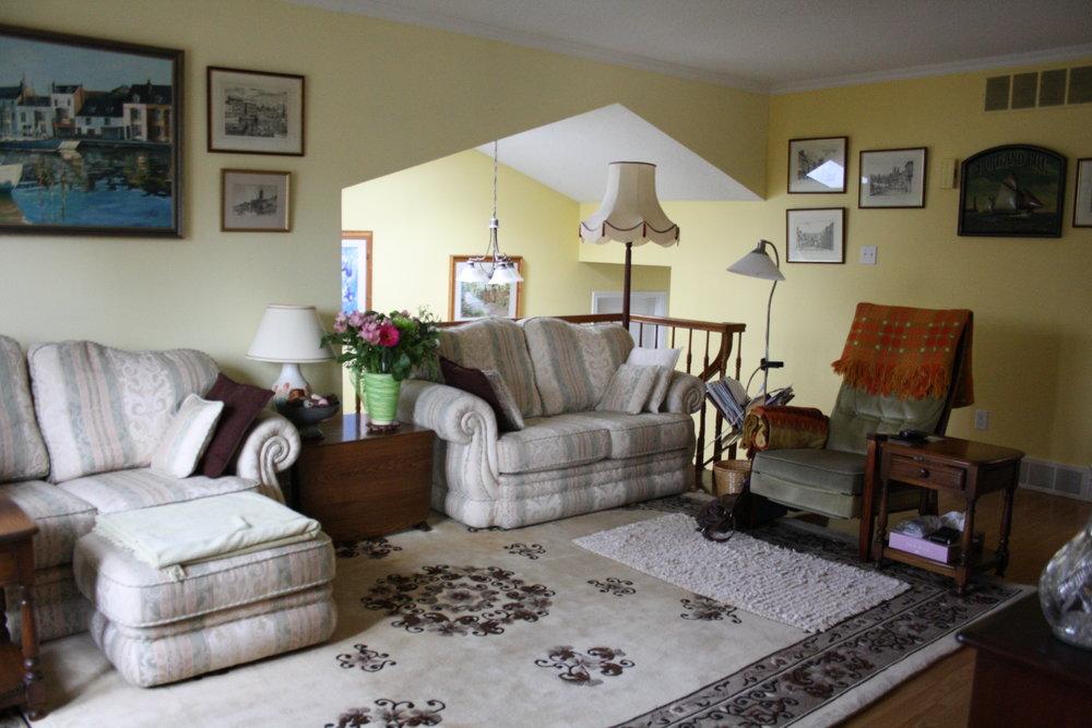 5. Living Room (20).JPG