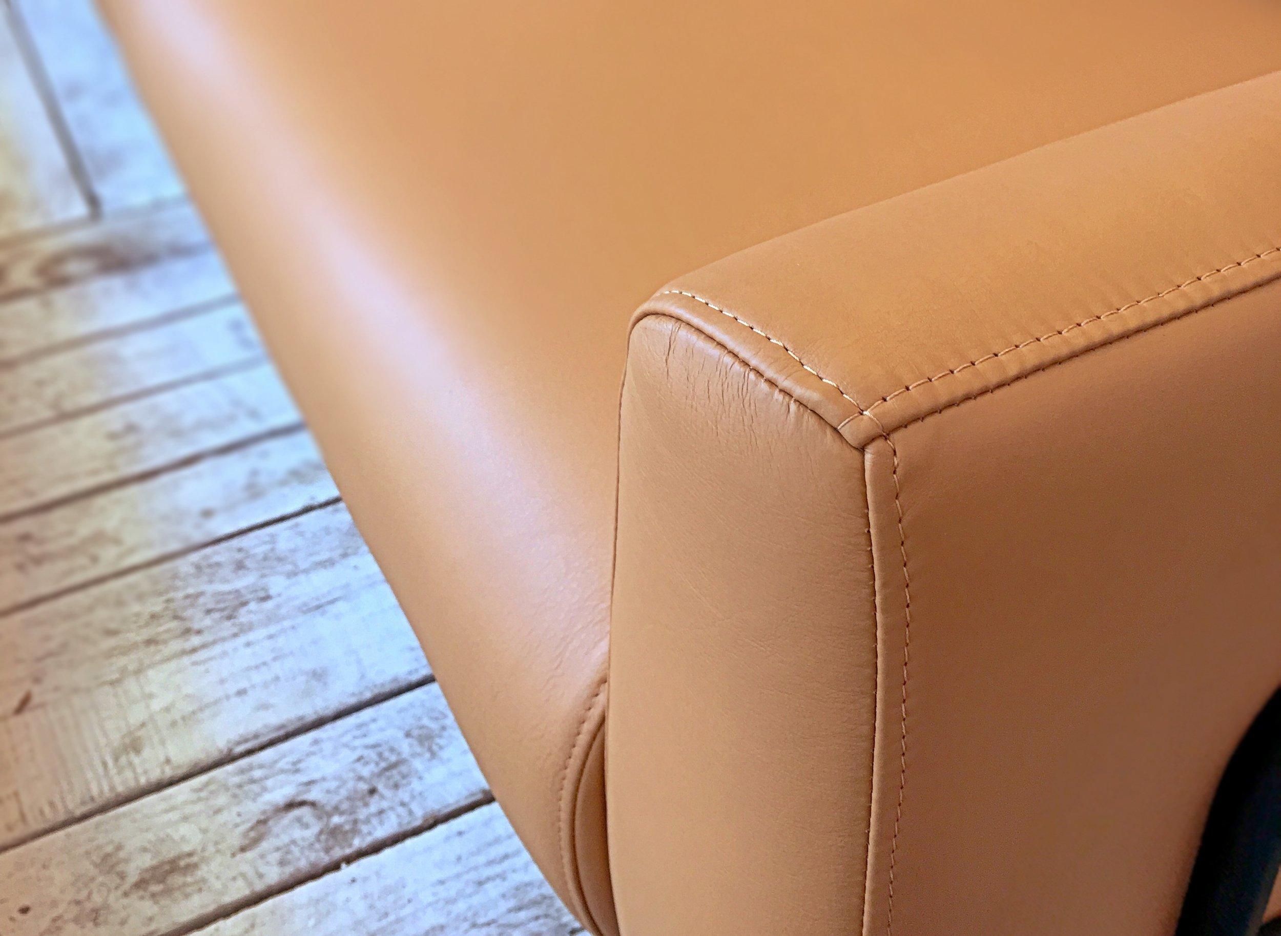 Tal sofa detail