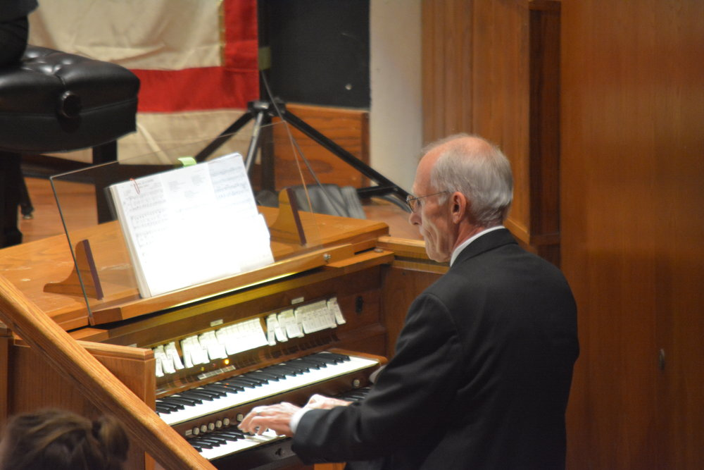 2016-12-04 John Fast at Organ jpg.jpg