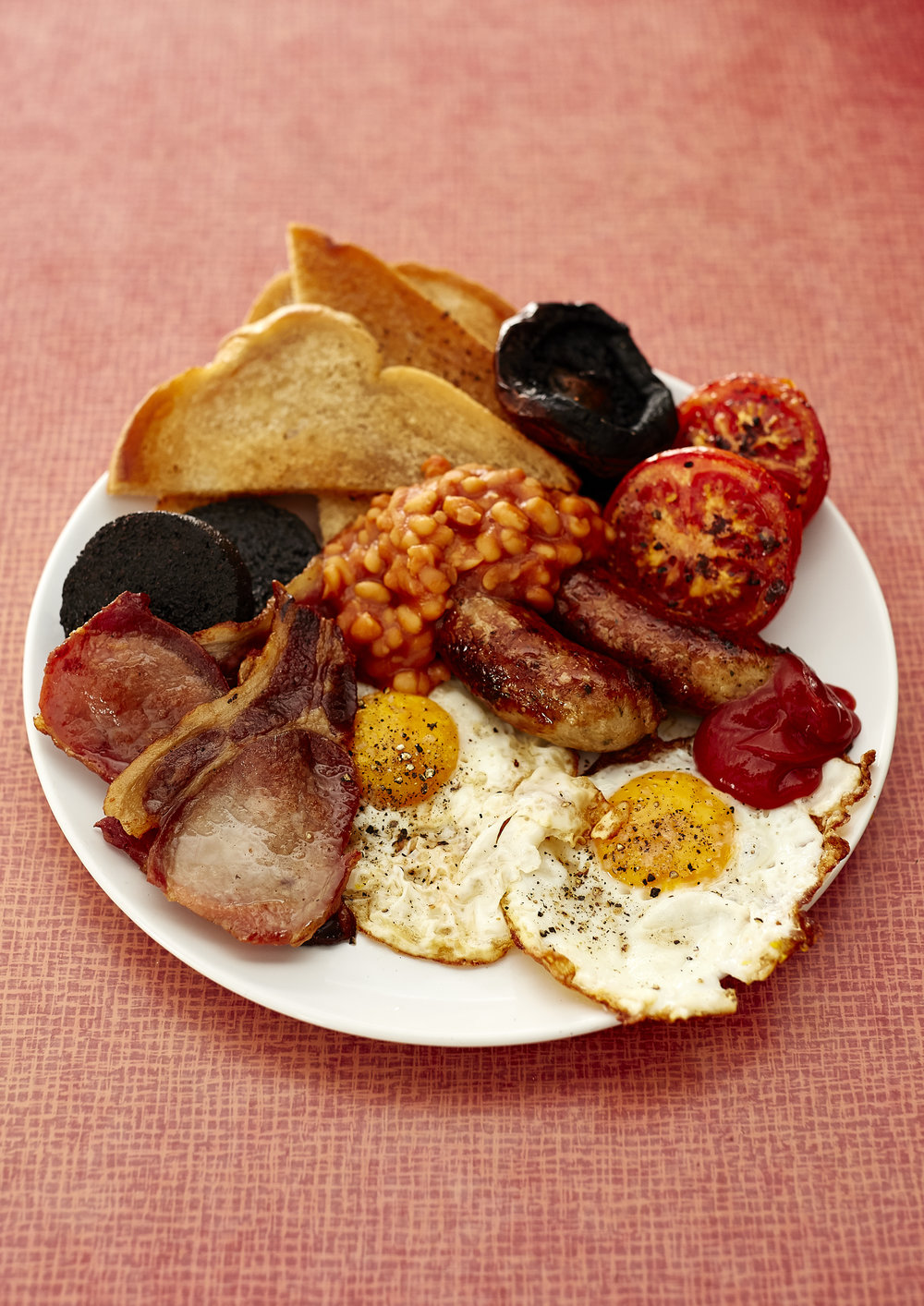 The Full English Breakfast, containing ingredients from many of the major food groups, is a great place to start our food utopia journey.  When we think of food utopia, we picture a system distinct from our current method of exhausting the soil and her nutrients through intensive farming and petrochemicals. True food utopia involves food production within our means, and a deeper connection to the food and its origin.  In this series we look at possible sustainable food futures through food photography by exploring how we could replace the components of a Full English Breakfast. All of the aspects of a Full English are static throughout the year - not changing with the seasons or gradual climate adaptations. If we were to incorporate these simple factors into what we ate, we could see a food system that aligns much more closely with the environment in which it's grown. We at Future Farm Lab look to revolutionise the food system by putting farmers at the centre of the food chain - through connecting them with retailers, consumers and technology. Considering farming practises at the heart of what we eat will tie us intrinsically to more seasonal ingredients that work with the land rather than against it, and are healthier for us and our society as a result. Credits: Photography by Joe Sarah Photography ¦ @joesarahphoto Curated by Future Farm Lab ¦ @futurefarmlab Abi Aspen Glencross, Phoebe Tickell, Sophie Perry Food Stylist: Myles Williamson Prop Stylist: Freya Cardiff Graphic Design: Tom Groves Special thanks: Jamie and Michael at May Studio ¦ King's College Cultural Institute ¦ Somerset House ¦ New Harvest ¦ ESRC ¦ All the suppliers For more info check out: http://www.kcl.ac.uk/Cultural/whatson/eventrecords/160701-Paths-to-Utopia.aspx