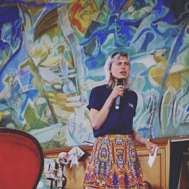 """A slightly perplexed looking @abiaspen chats #food, #farming and #tech at @sundaypaperslive """"When looking into the #future one of the most important thing to imagine and hope for is that #farmers are in high demand, because it is seen as a desirable and worthwhile career, alongside the likes of doctors and engineers""""  #london #adventure #agriculture #agroecology"""