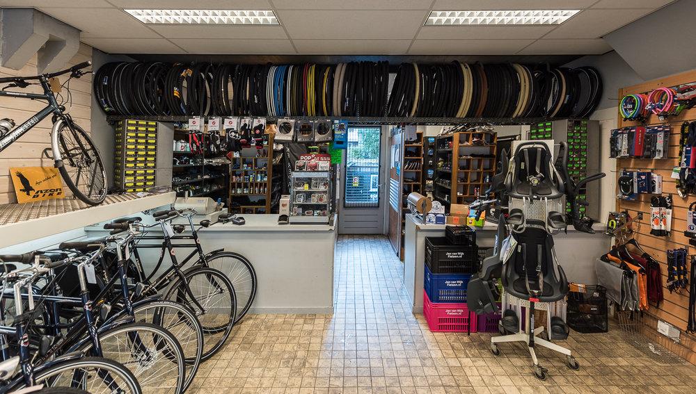 Jan van Wijk Tweewielers - Maikel Thijssen Photography - www.maikelthijssen.com-3.jpg