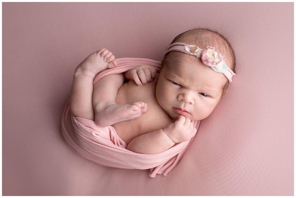 06_rye_newborn_girl.jpg