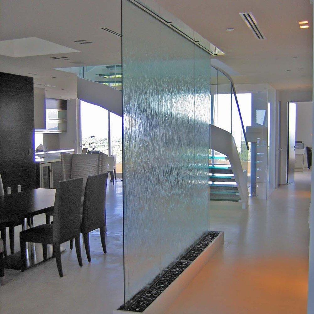 Dettore Indoor (1) sq.jpg