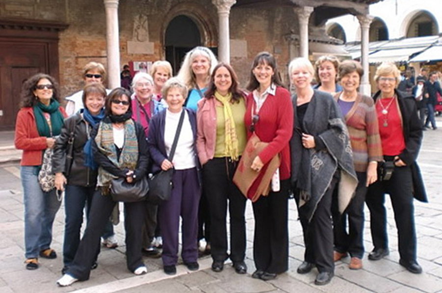 art-group-travel-workshop-italy.jpg