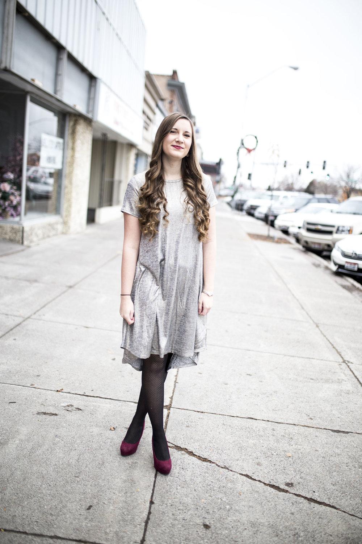 LuluRoe Ariana Street Shoot Elegant Line02.jpg