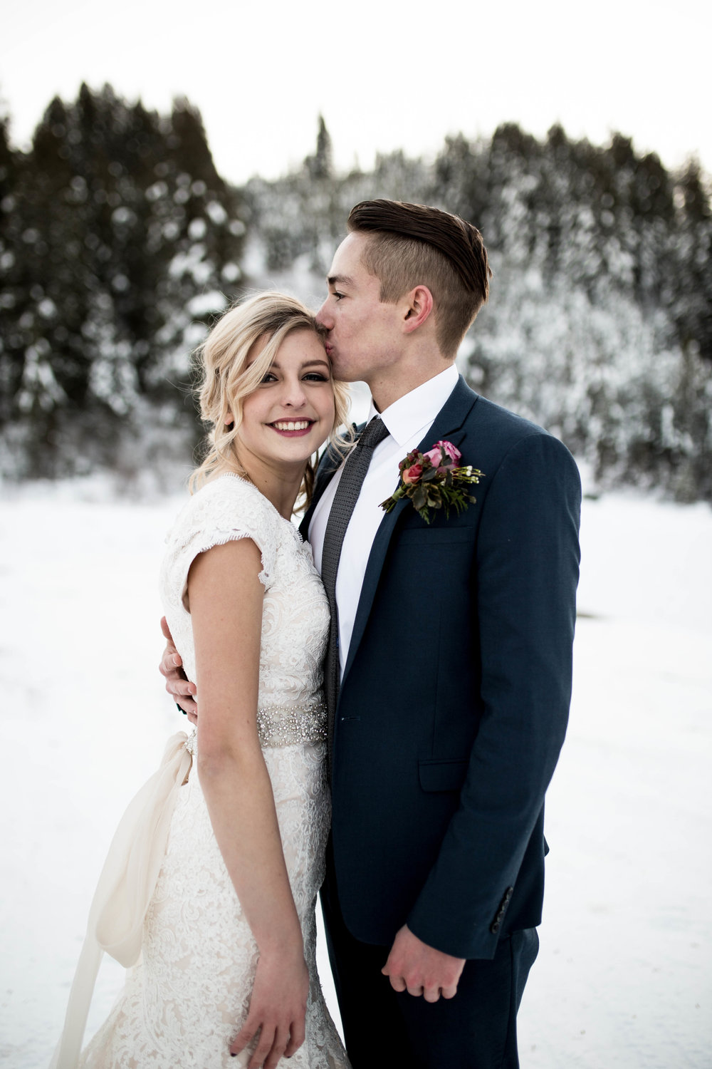 WinterWeddingBridalsTarghee (75 of 121).jpg