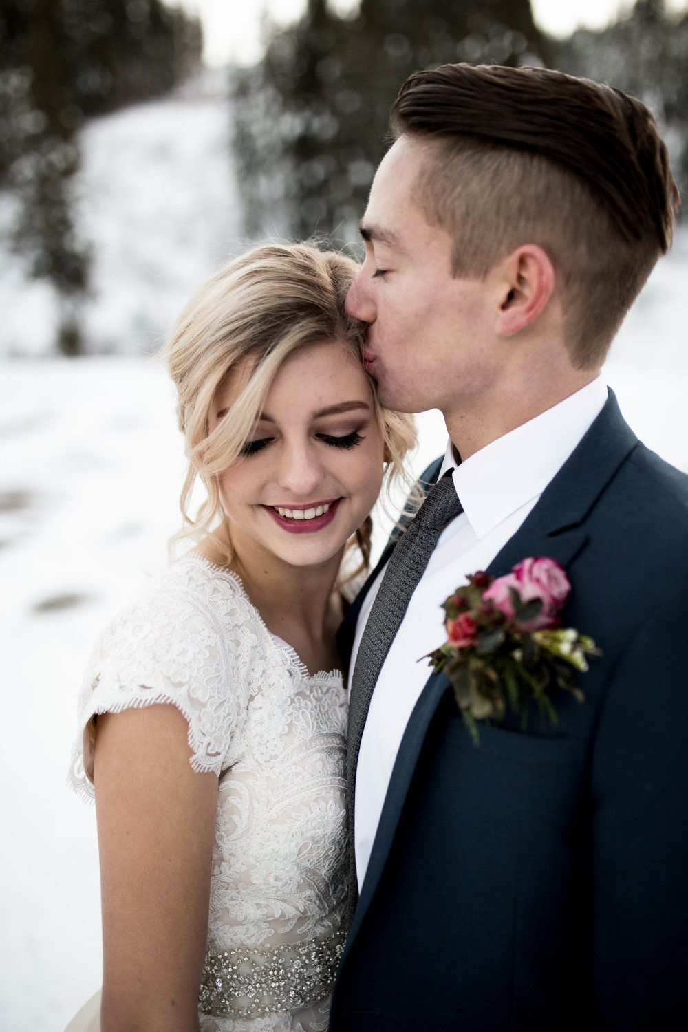 WinterWeddingBridalsTarghee (76 of 121).jpg