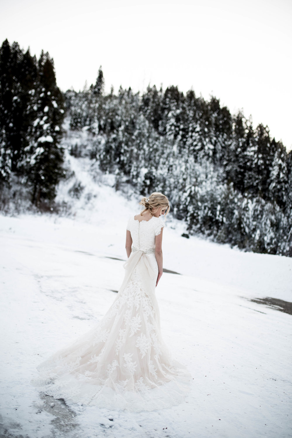 WinterWeddingBridalsTarghee (92 of 121).jpg