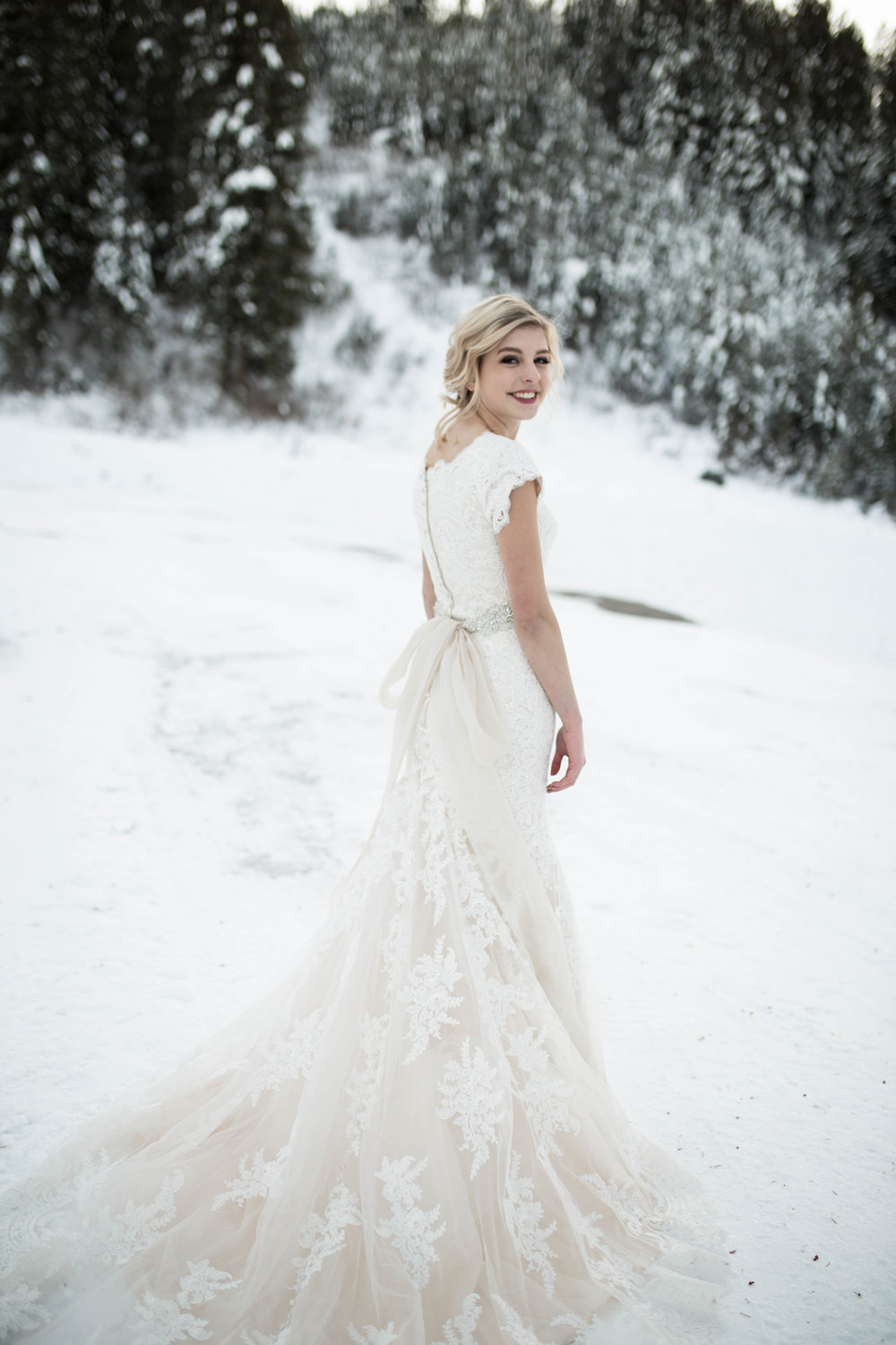 WinterWeddingBridalsTarghee (95 of 121).jpg