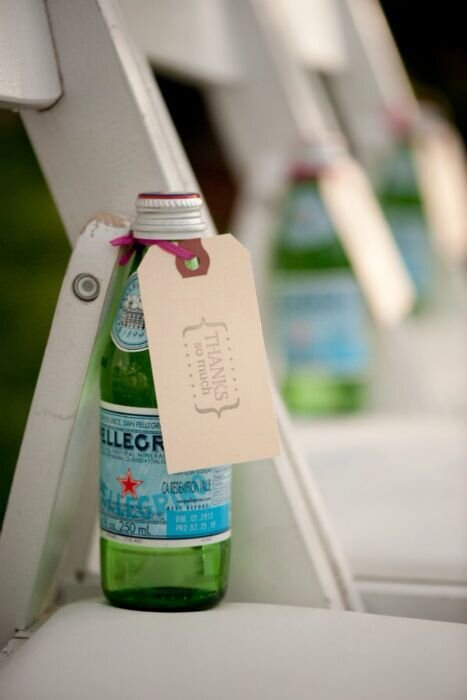 outdoor-drinking-water-for-reception-trick-for-guests-look-for-the-light-photo-video