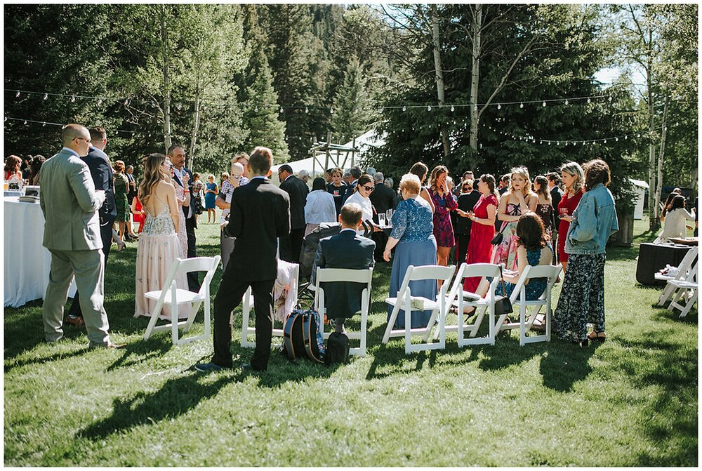 southern_wedding_large_outdoor_group_HOA_considerations_neighborly_southern_wedding_outdoors_look_for_the_light_photo_video