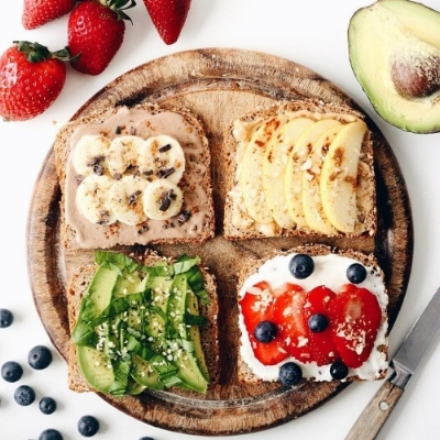 Whole-grain-toast-with-all-the-delicious-toppings.jpg