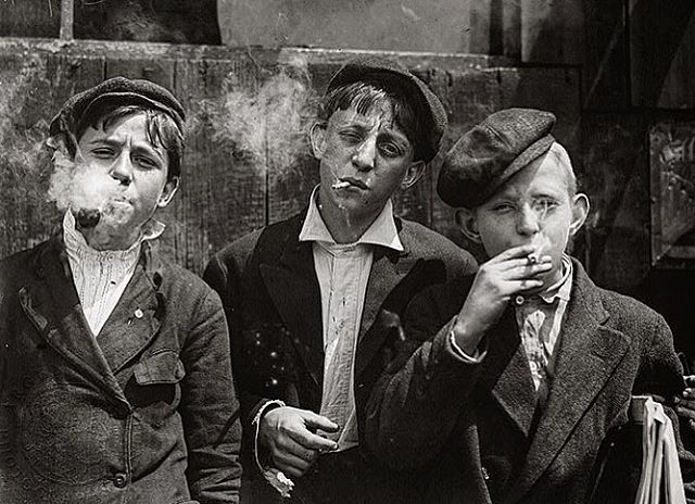 1910-20s daily wear #agelesseinzelganger #mood  Photography from argenteditions.com, by Lewis Hine