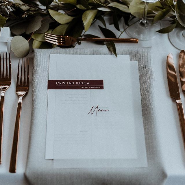 Custom modern stationery for Monica + Samuel 🖤 Photo by @francisfraioli 🙌🏼 // Design and planning @heramariages, flowers by @oxide_design_floral // #montrealwedding #modernwedding #modernstationery #weddingstationery #etsyshop #etsywedding #weddinginvitation #burgundy #weddingmenu #whitewillowpaperco