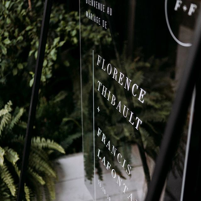 Custom acrylic welcome sign for F+F 🌿 We are in love 🖤 one of our favorite of all times // Photo by @biancadjardins.weddings ✨ // Planning and design: @heramariages // Graphic design: @whitewillowpaperco // Rentals: @lescauseuseslocation // Venue: @restaurant.melisse // #moderndesign #welcomesign #modernwedding #montrealwedding #graphicdesign #weddinginvitations #etsyseller #instawedding #acrylicsign #whitewillowpaperco #weddingstationery #greenery