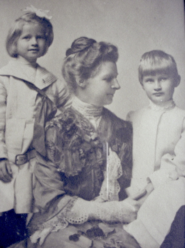 Florence Ward and two of her daughters
