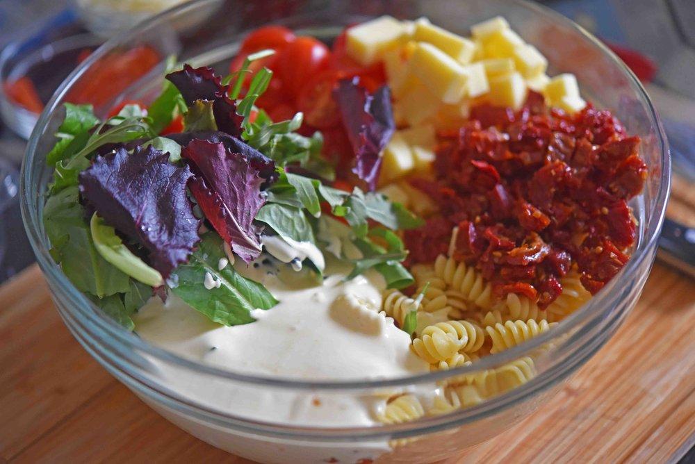 Tomato Cheddar Lemon Aioli Pasta Salad 5.jpg