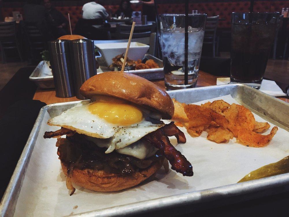 las-vegas-best-burger-hangover-burger.jpg