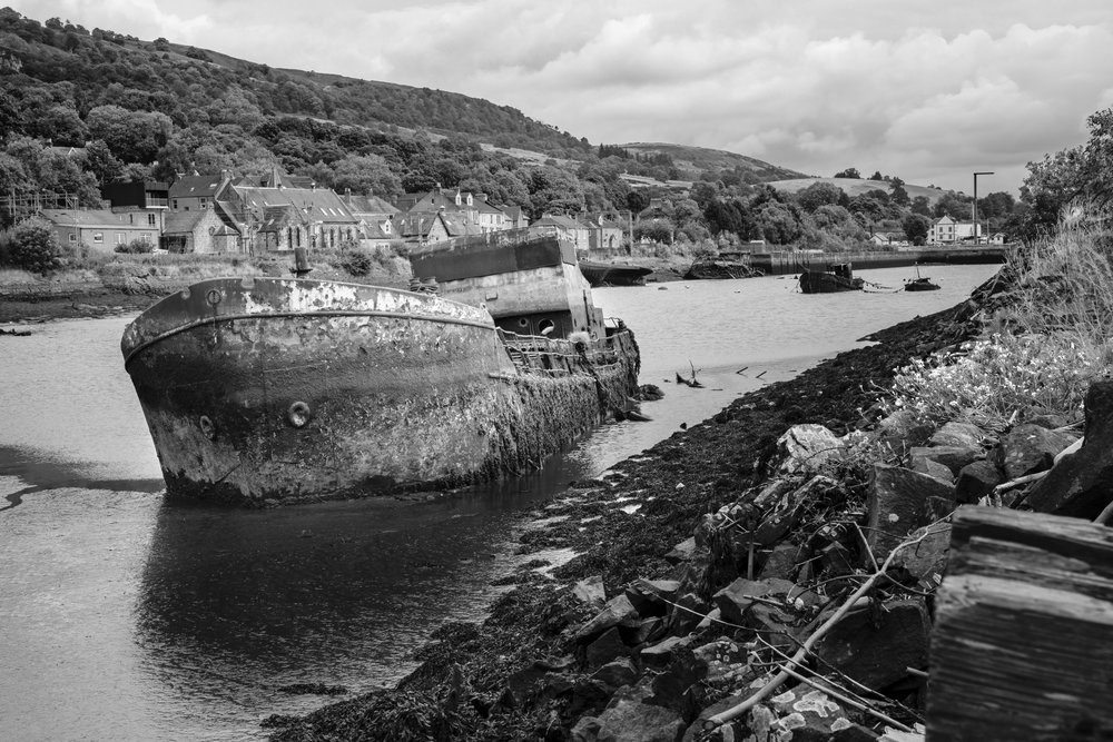 Looking back from the harbour wall: 1/320, f11, ISO 100 @ 35mm
