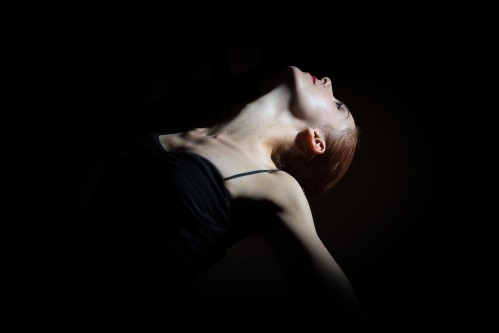 Anthony Mickeal Photography   nyc ballet photo shoot spot light dance pose.jpg
