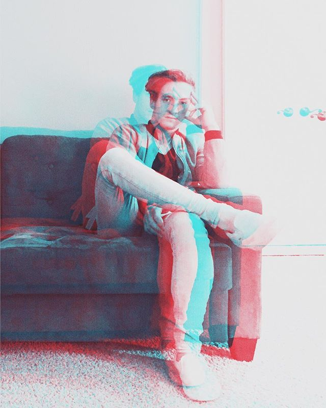 🔵🔴 #howtofly #3d #anaglyph #anaglyph3d #glasses #3dglasses #red #blue #indie #indiepop #indiemusic #rock #pop #synth #synthpop #duo #fly #synthwave #atlanta #atlantamusic #atlantaindieartist