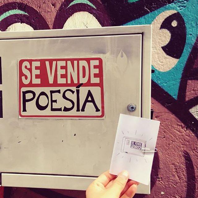#repost @zuleikaonair: ¡Sé poesía, haz poesía! 📝💛