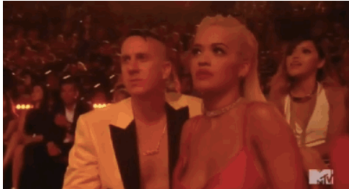 A priceless reaction from Rita Ora