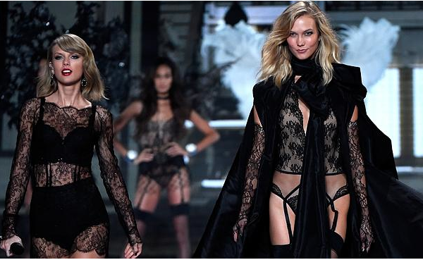 Literally twins! Taylor Swift and BFF Karlie Kloss on the runway