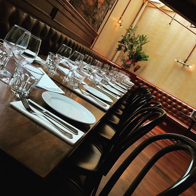 • Ready for our Friday Night 🥂• #sydneyrestaurants #birthday #party #sydneyeats #sydneyfoodie #friyay #restaurant #bar #enjoy #darlinghurst