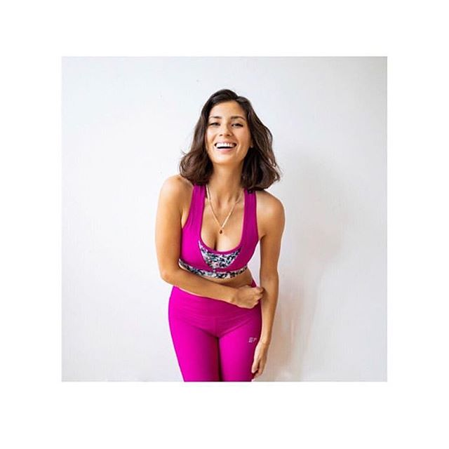Last minute Christmas scramble? Get ethical with activewear inspired by @jasminehemsley 's Christmas favourites on @ecoage! Last shipping to get it in time for Christmas is this Wednesday 🎄 #lookgooddogood #ethicalfashion . . . . #activelyconscious #whomademyclothes #ethicalactivewear #ukfitfam #consciousliving #womenshealth #ecoage #fitfashion #christmasgiftideas #sustainablefashion #whomademyactivewear #fitlifestyle #consciouschristmas