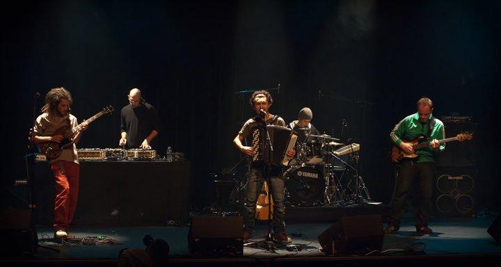 Live à St Pierre des Corps 2010.jpg