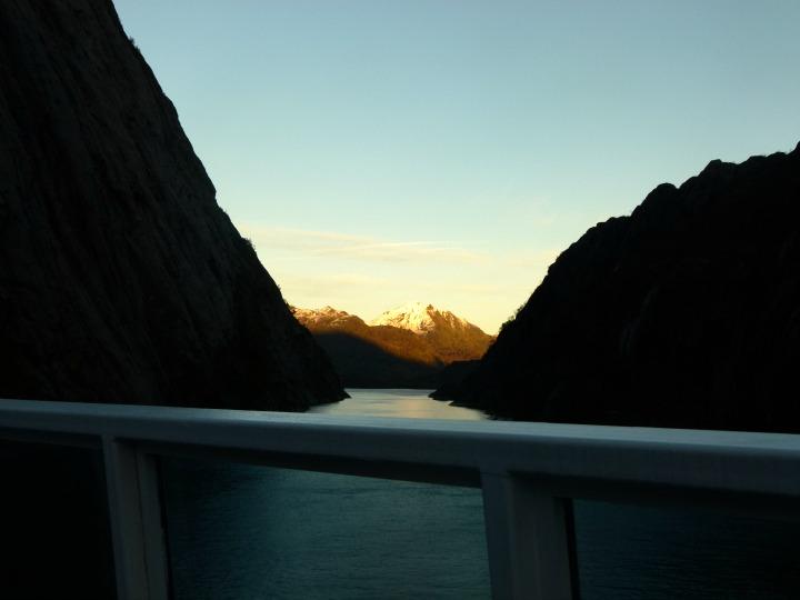 Trollfjord30