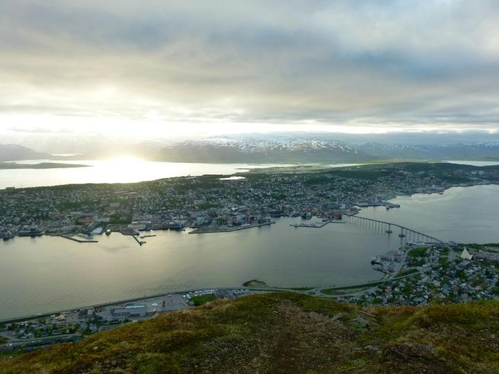 Midnight-Sun-seen-from-Fjellheisen.jpg