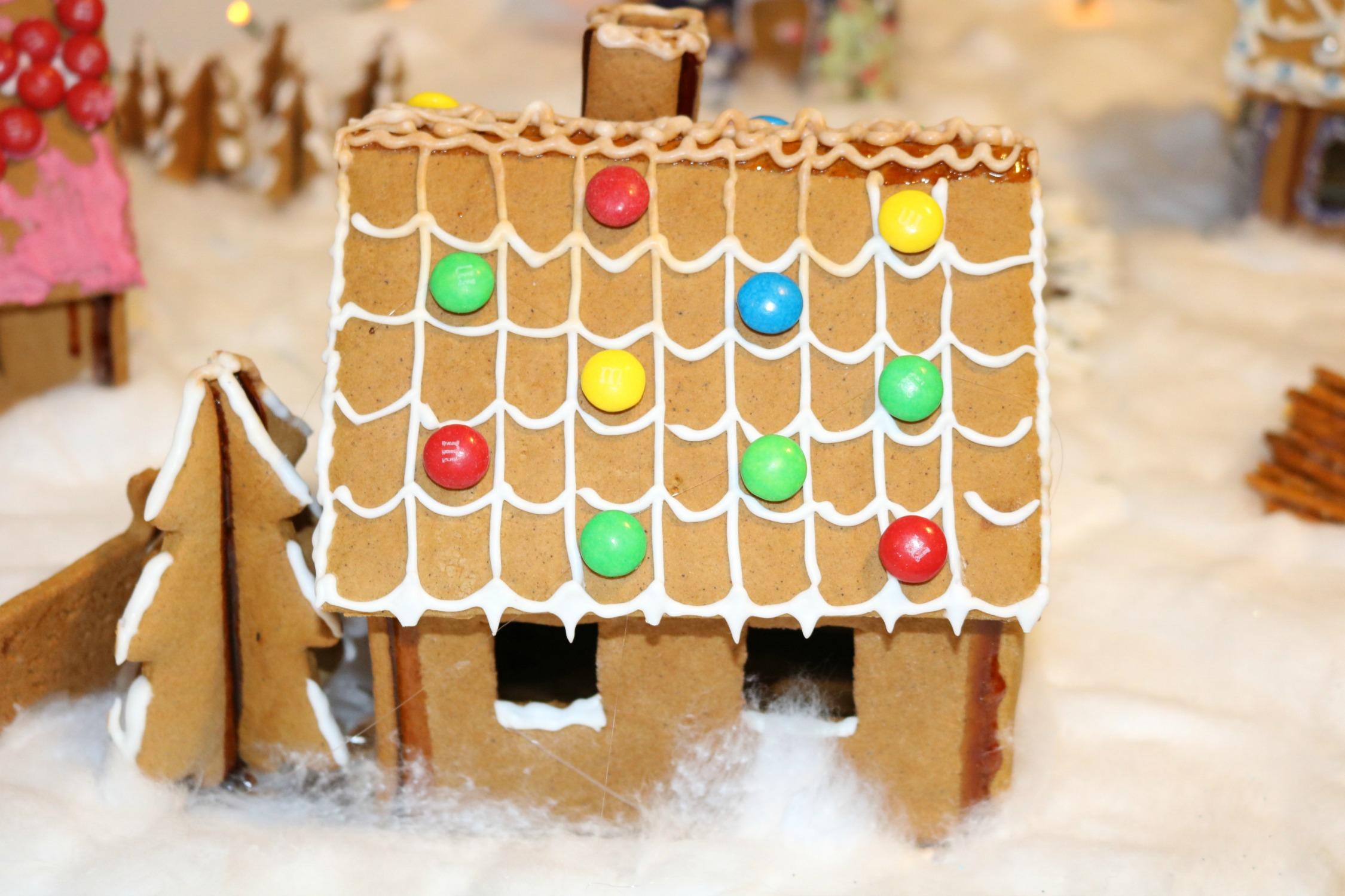 Norwegian Christmas Traditions - From Ribbe to Pinnekjøtt — Snow in ...