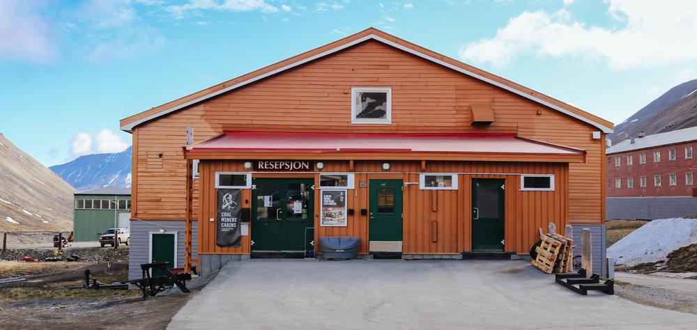 coal miners' cabins spitzbergen