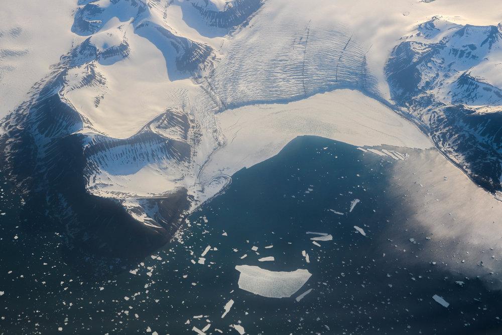 arctic ice caps svalbard