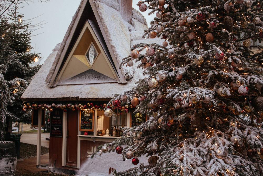 visit tivoli copenhagen during christmas.jpg