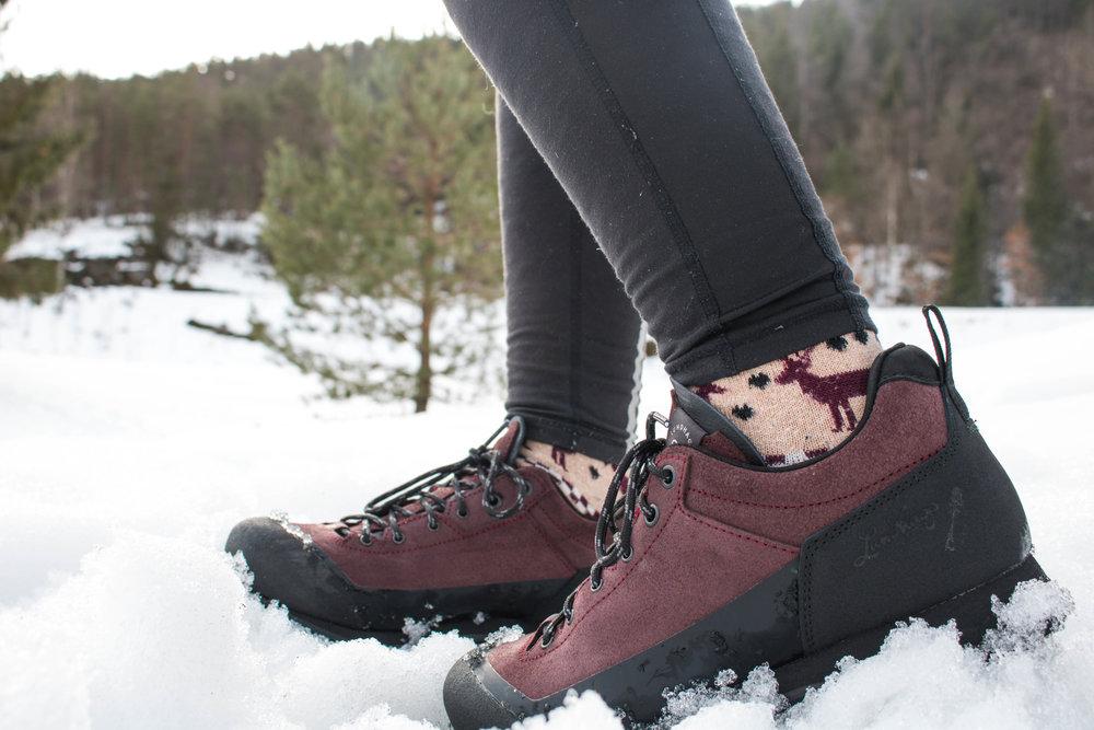 lundhags bjerg low hiking shoes norway.jpg