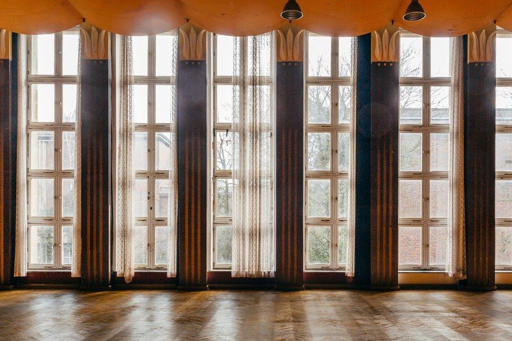 toi toi toi kultursaal funkhaus window.jpg